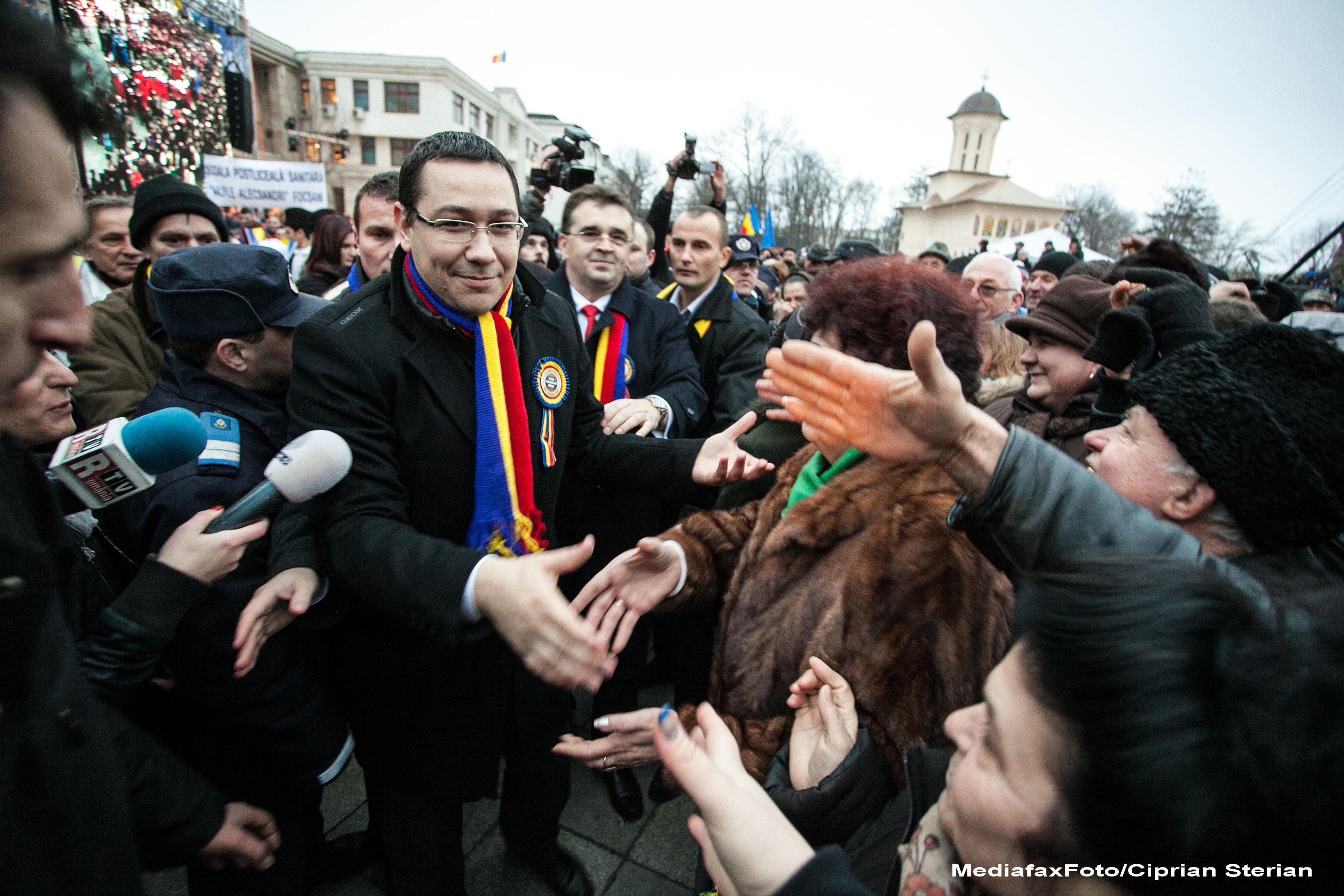 Un membru PSD il sfatuieste pe Victor Ponta sa nu vina de Ziua Unirii in Iasi fiindca ar putea fi fluierat