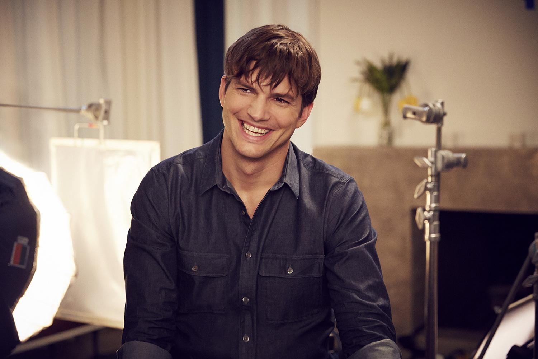 (P) Ashton Kutcher ne arata ca despartirile sunt foarte simple. Actorul joaca in noul spot de promovare a gumei Orbit