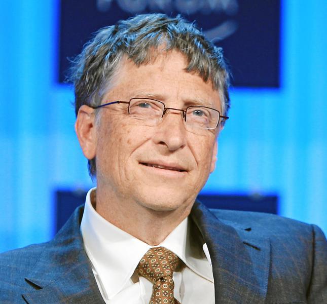 Bill Gates se arata preocupat de avansul inteligentei artificiale: Sunt in tabara celor ingrijorati de super-inteligenta