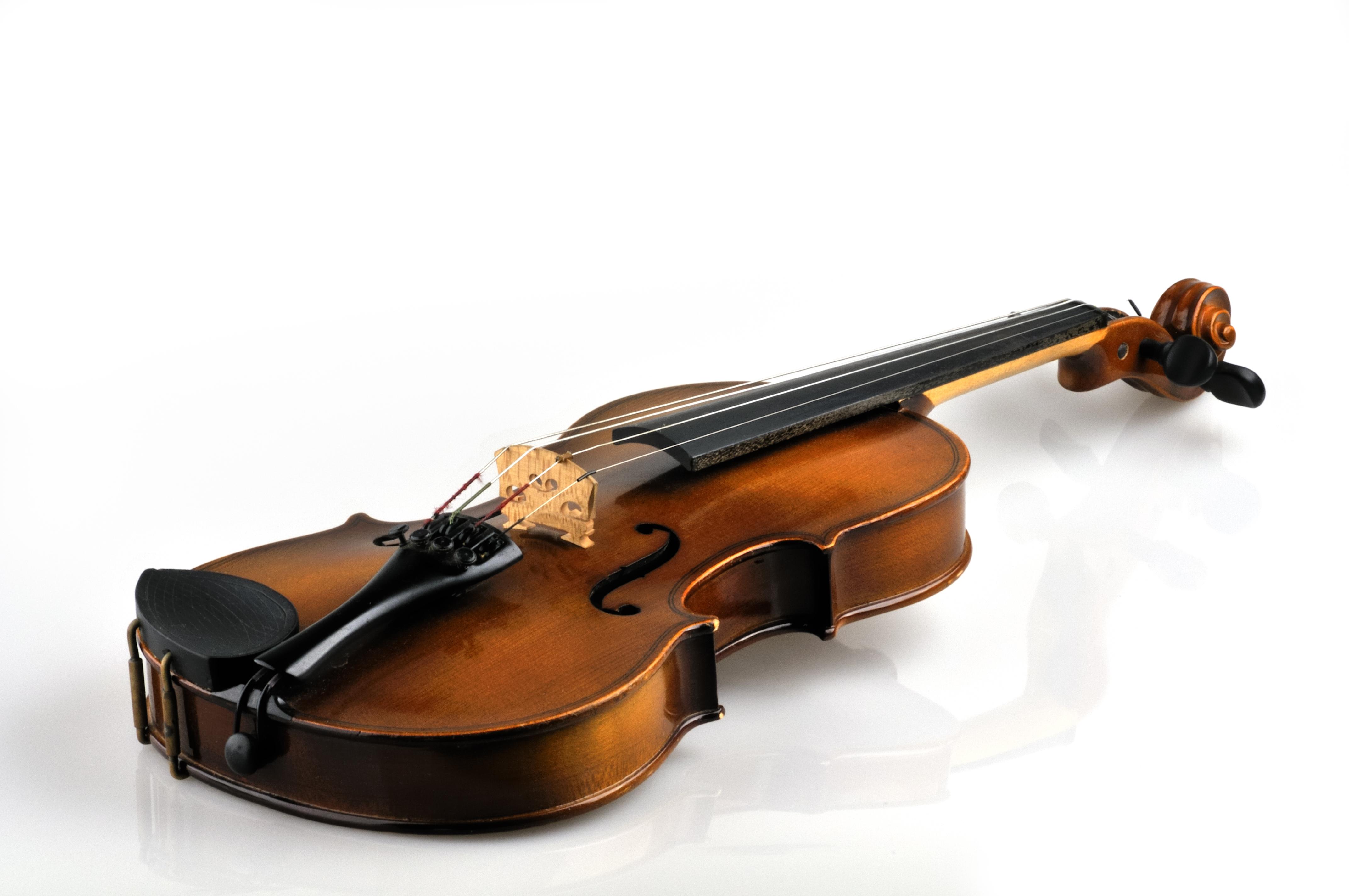 O violonista si-a uitat intr-un tren vioara Stradivarius estimata la 2,4 milioane de euro. Ce s-a intamplat cu instrumentul