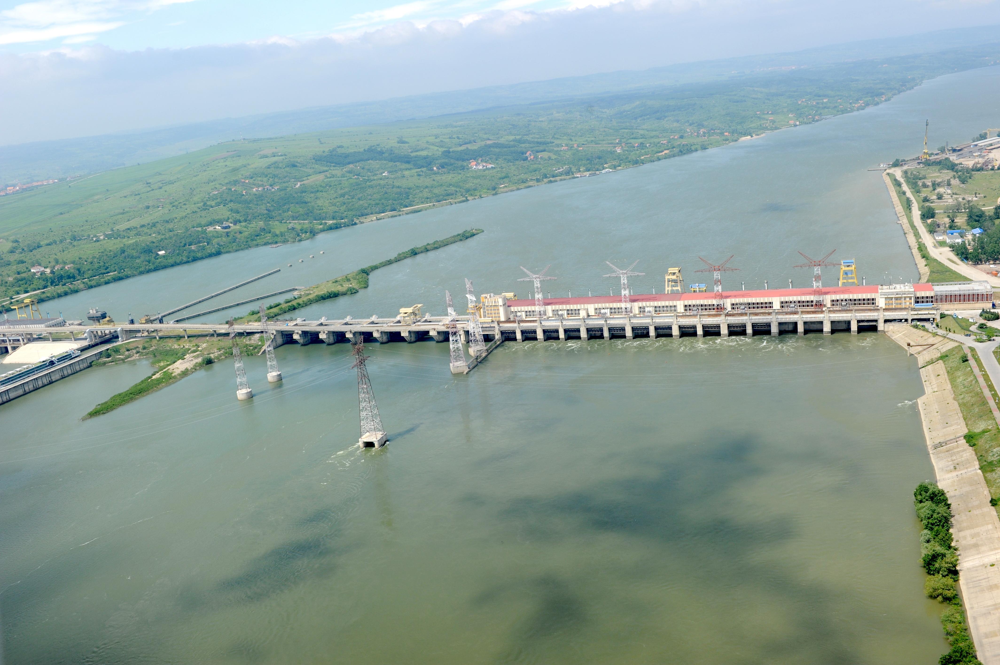 Amenda RECORD, de 37 de mil euro, pentru Hidroelectrica si zece parteneri. Ce a descoperit in contracte Consiliul Concurentei