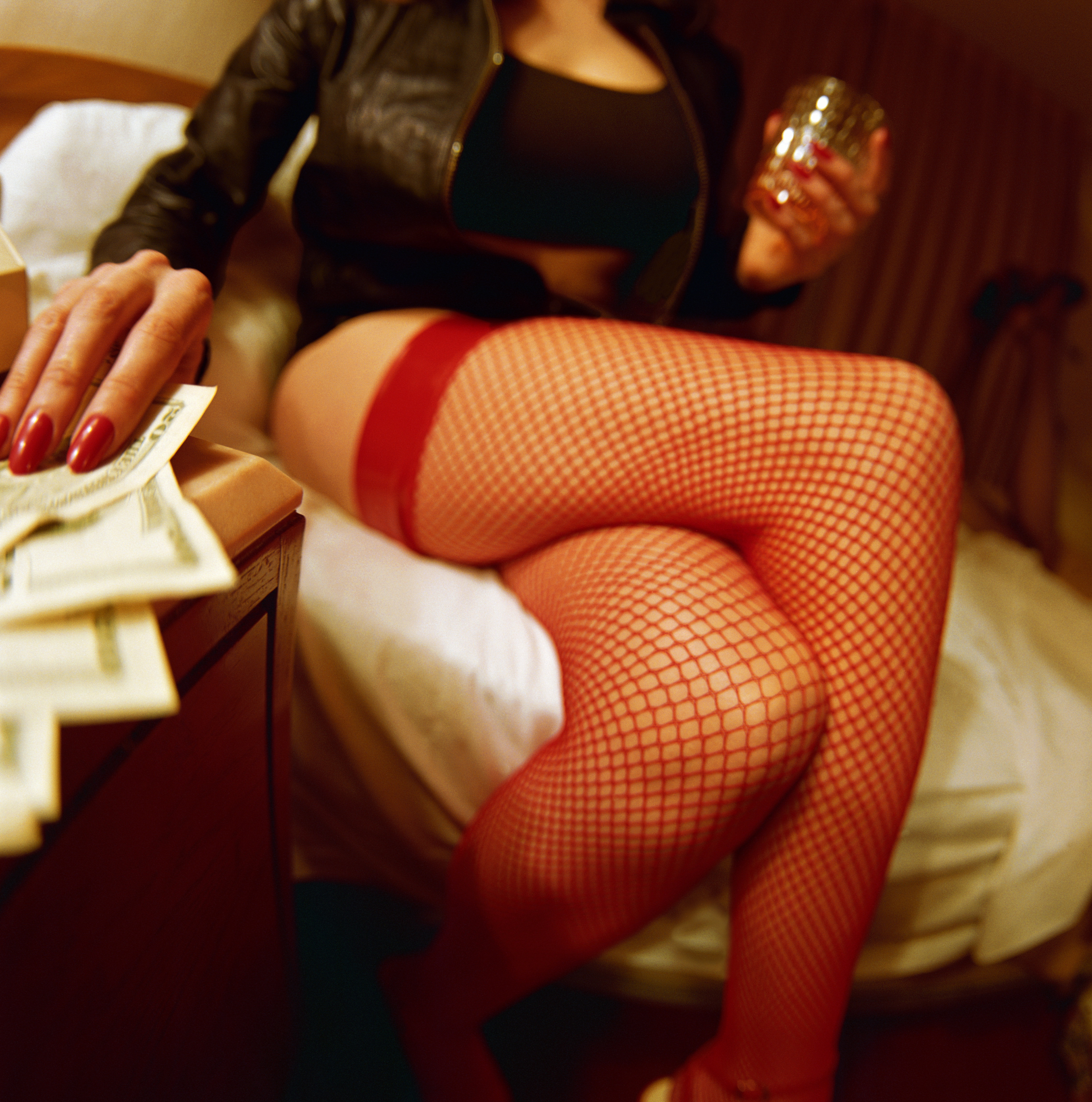 Amenzile incasate de o prostituata afecteaza bugetul unei comune din Buzau. La ce suma a ajuns datoria femeii