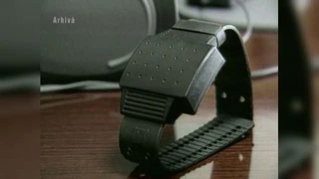 O bratara electronica, un pager si monitorizare prin GPS. Solutia prin care mii de romance ar putea fi aparate de agresori
