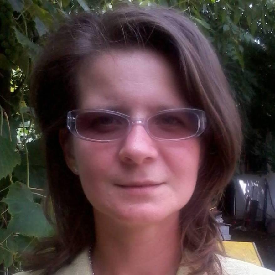 Jurnalista de 36 de ani, gasita moarta in casa parintilor. Cauza decesului este inca necunoscuta