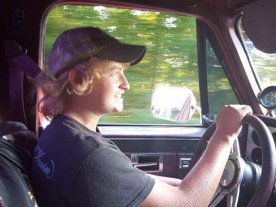 Fenomen bizar in SUA. Doi tineri au murit dupa ce au baut combustibil pentru masina, pe baza de metanol, amestecat in suc