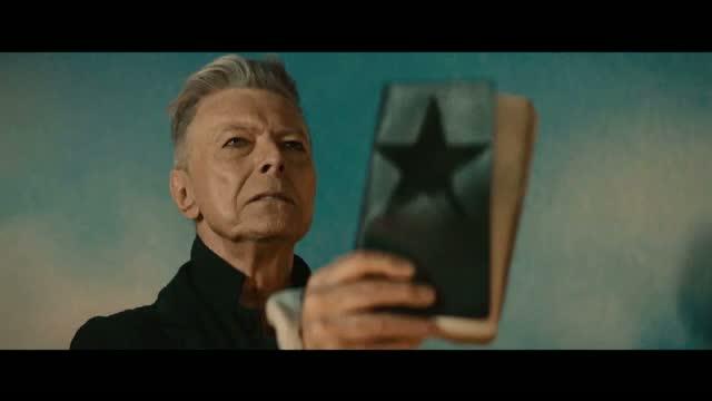 Dezvaluiri despre testamentul cantaretului David Bowie. Unde ii va fi imprastiata cenusa si ce avere ii lasa sotiei sale
