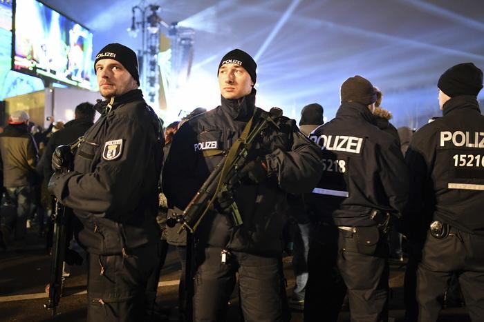 Barbat arestat in Berlin dupa ce a strigat