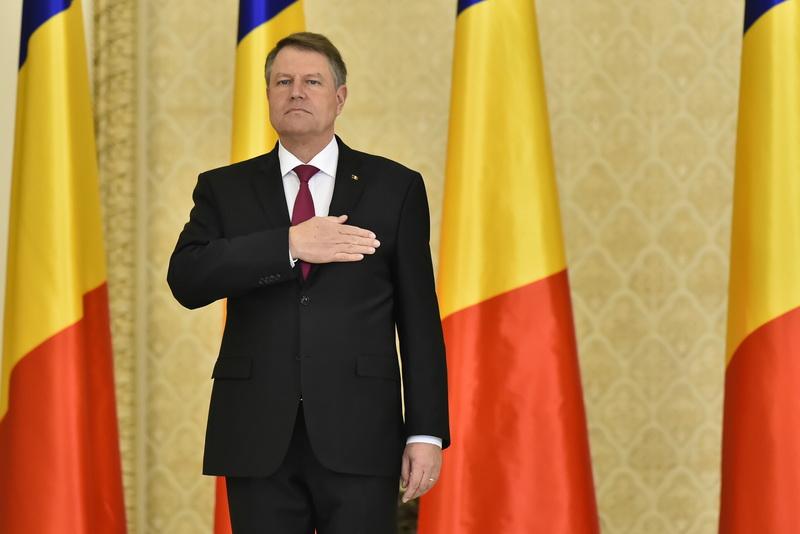 Klaus Iohannis il ataca pe Avocatul Poporului, Victor Ciorbea: