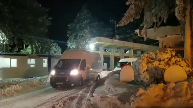 Cei 100 de turisti romani si moldoveni blocati de nameti in Bulgaria, adusi in tara.