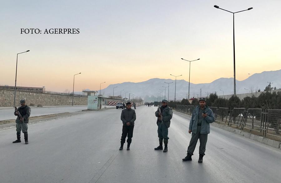 Atentat cu masina-capcana in fata Parlamentului din Kabul. Cel putin 20 de oameni au fost ucisi, printre raniti - o deputata