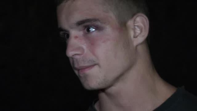 Pedeapsa primita de minorii din Cluj care au calcat in picioare un tanar de 18 ani. Mama victimei considera sentinta blanda