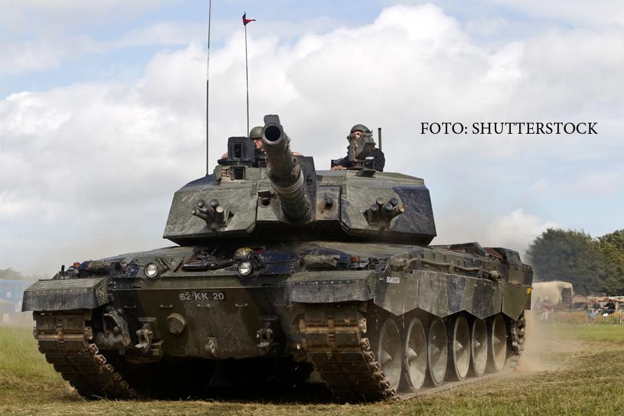 Blindate grele, trimise prin Eurotunel. Experimentul facut de armata britanica pentru situatia unei invazii rusesti