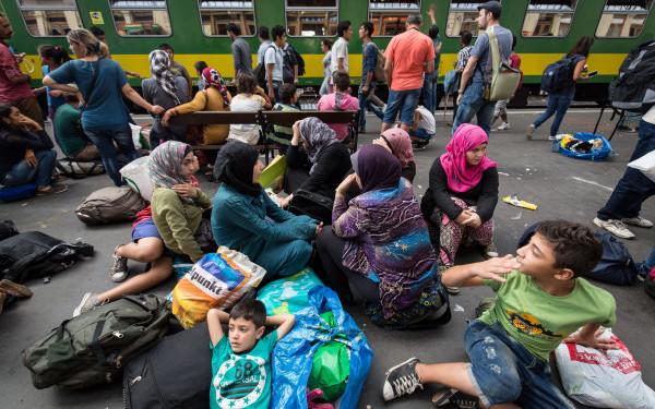 Avertisment UNICEF: 23.000 de copii migranti, in pericol in Grecia si Balcani din cauza frigului:
