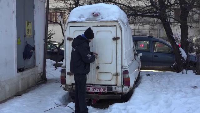 Un fost militar de 61 de ani a ajuns sa doarma intr-o masina in urma unui divort.