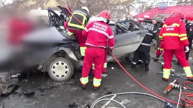 Accident foarte grav langa Cernavoda, in care a fost implicata si o masina a Armatei. Doi morti si doi raniti