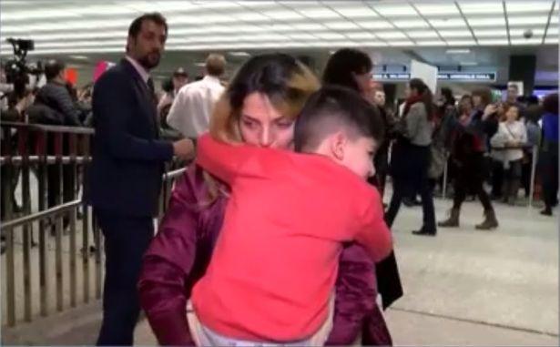 Copil de 5 ani incatusat si retinut intr-un aeroport pentru ca ar fi fost o