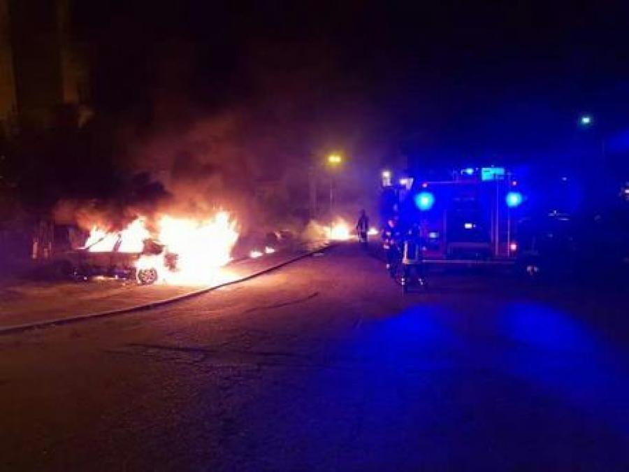 Un student arab din Iași a dat foc la 4 mașini pentru că a fost privit în ochi. Instanța l-a iertat pentru că i-a părut rău