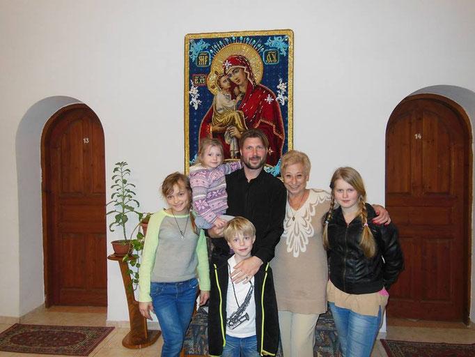 Preot ortodox, închis pentru pedofilie. Viola copii în tabere ale bisericii