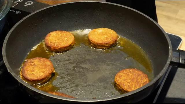Burgerul din viermi, creat de olandezi: