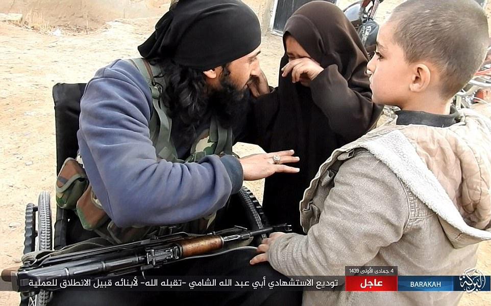 Statul Islamic a răpit zeci de femei şi copii în ultimele zile. Ce le fac jihadiştii