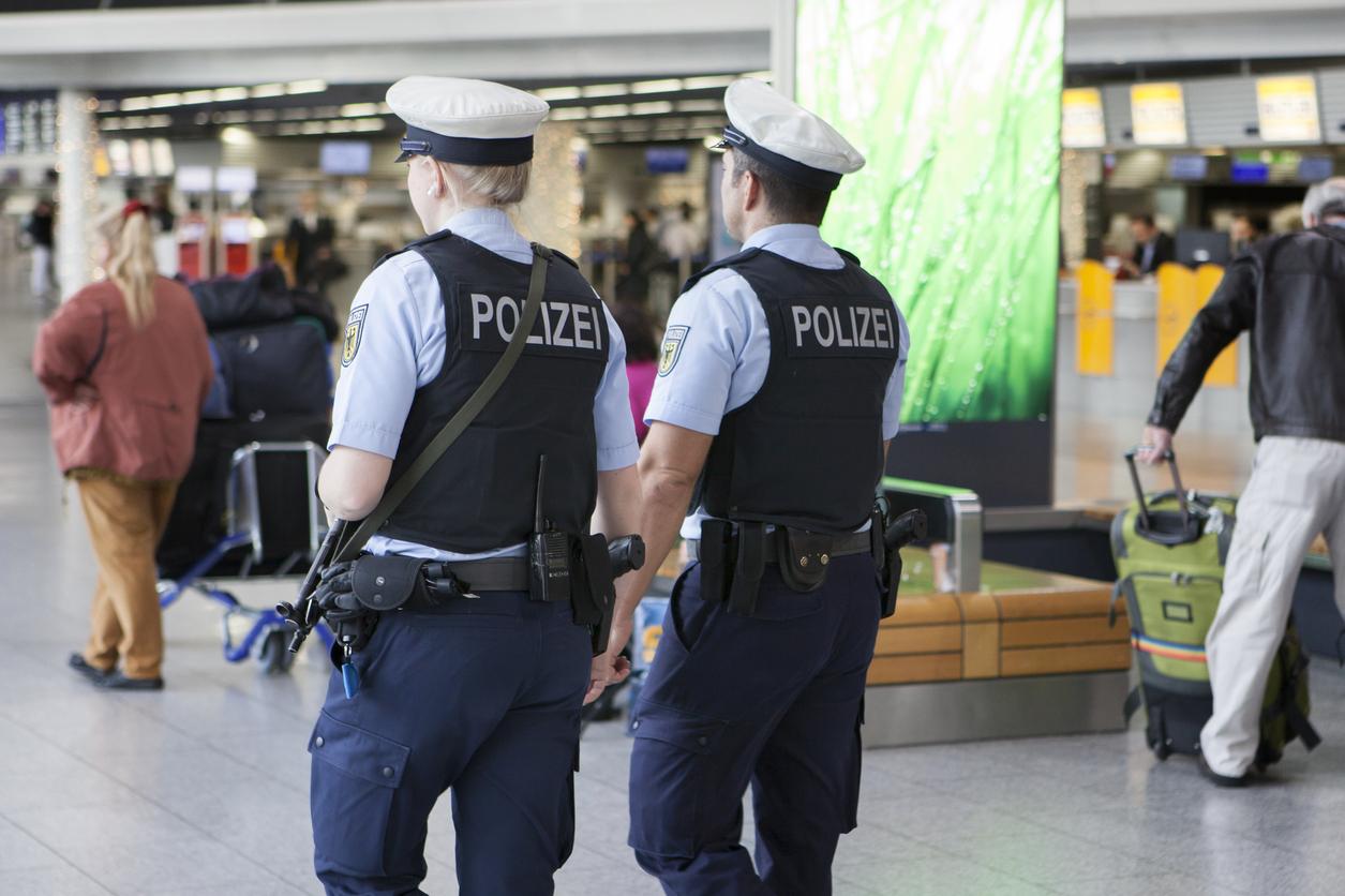 Atentat islamist dejucat în Berlin. 4 bărbaţi pregăteau un atac cu cuţite