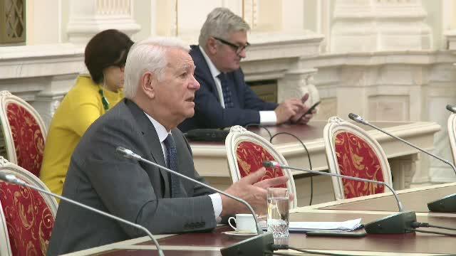 Ministrul Afacerilor Externe, Teodor Meleşcanu, va fi audiat în plenul Camerei Deputaţilor