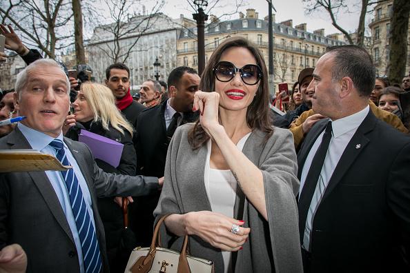 Angelina Jolie, primită de Brigitte Macron la Palatul Elysee din Paris