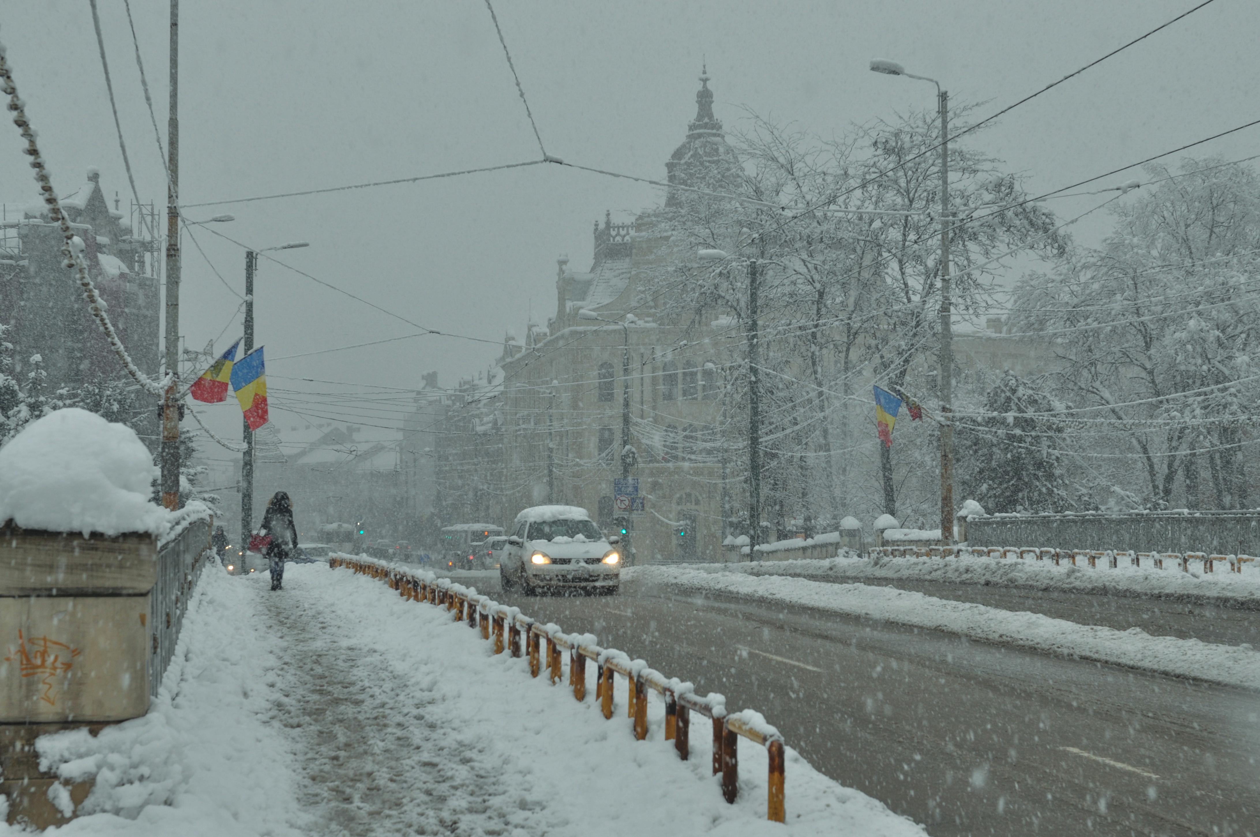 Vremea azi, 30 noiembrie. Vreme rece în toată țara, ninsori în sud și sud-est