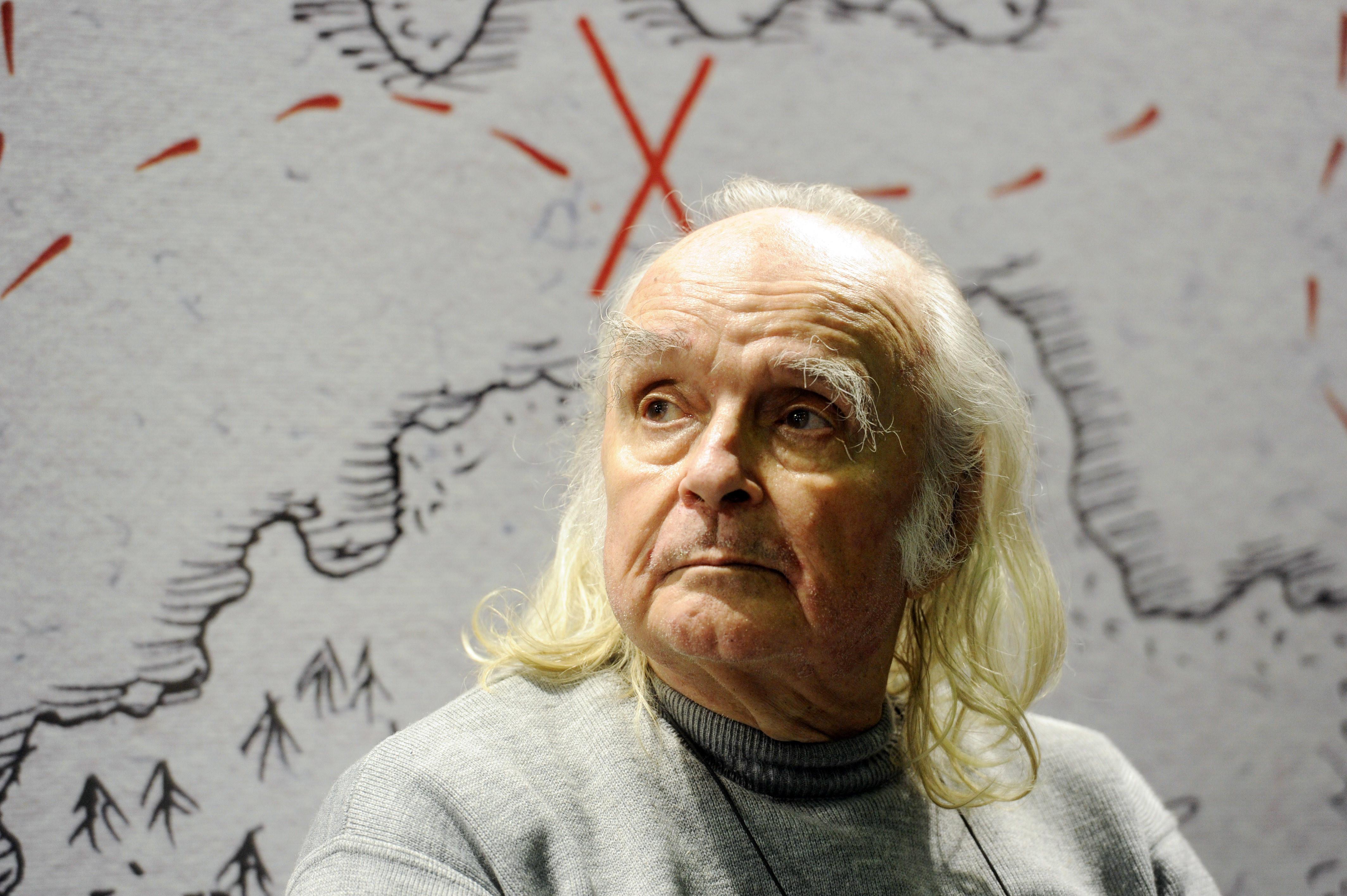 Poetul Emil Brumaru a murit la 80 de ani. A suferit un accident vascular-cerebral