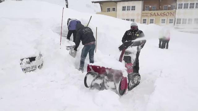 Ninsori abundente în Austria. Stratul de zăpadă a ajuns în 10 zile la 129 de centimetri