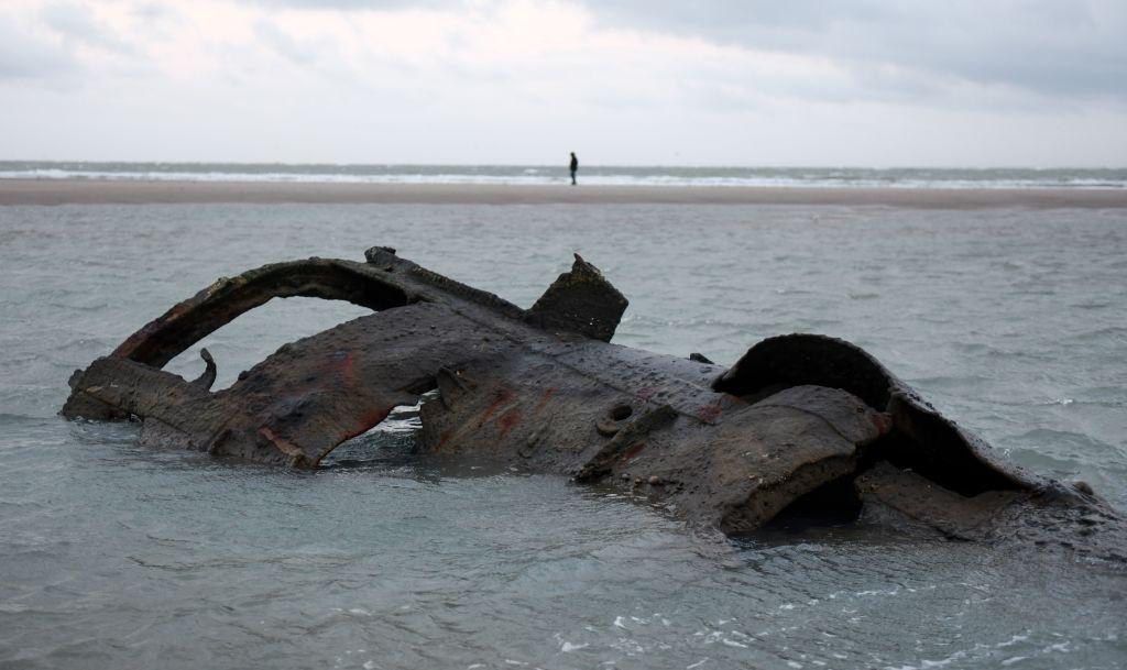 Epava unui submarin din Primul Război Mondial a reapărut pe o plajă din Franța