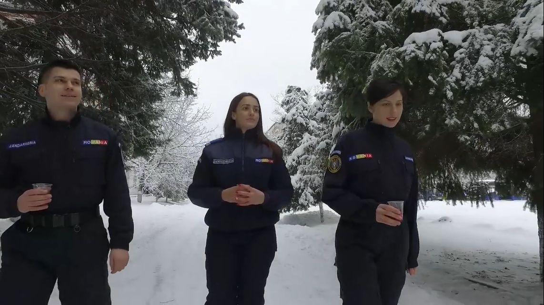 Reacţia Jandarmeriei după ironiile la adresa clipului despre Eminescu.
