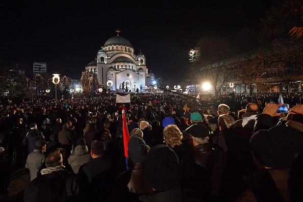 Putin, primire grandioasă în Serbia: zeci de mii de oameni în stradă, în Belgrad