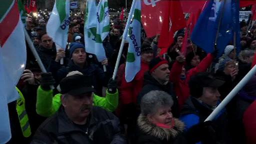 """Mii de unguri au protestat la Budapesta: """"Ne-a ajuns!"""""""