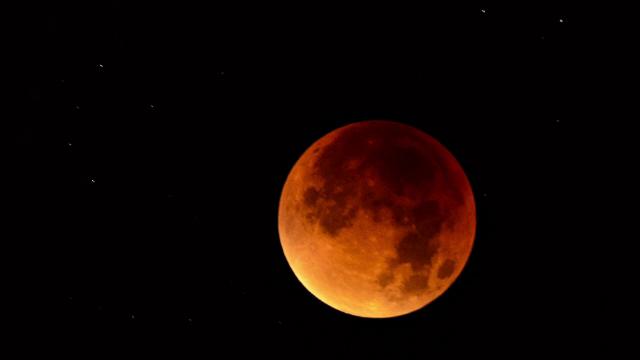"VIDEO. ""Super Luna Sângerie a Lupului"