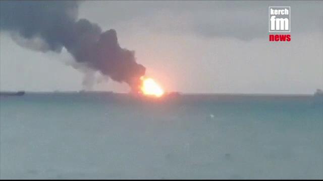 Tragedie în Marea Neagră. 14 morți și 5 dispăruți după ce două vapoare au luat foc