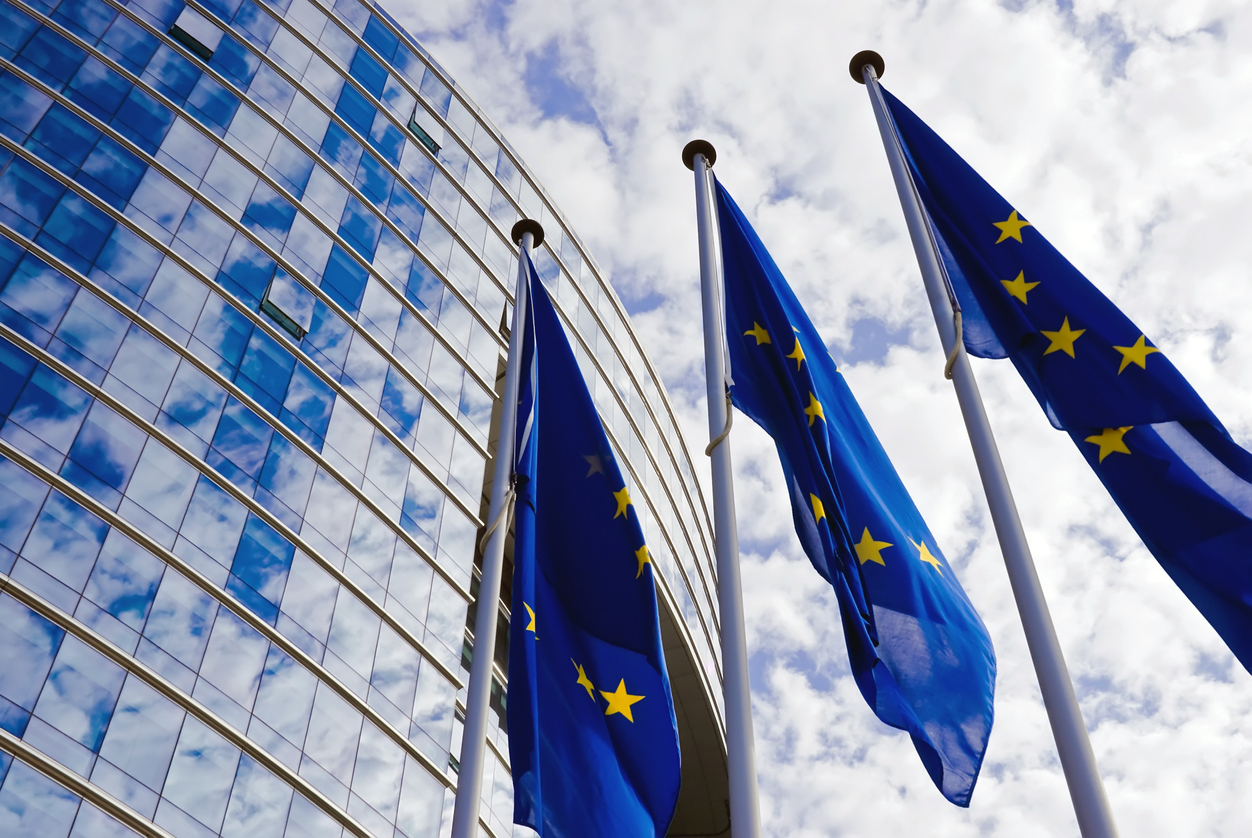Sondaj europarlamentare: PPE va fi cel mai mare grup, după alegerile din mai