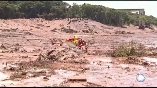 Case îngropate în noroi și persoane dispărute, după ce un baraj minier s-a rupt. VIDEO