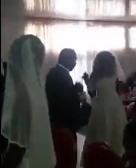 Momentul în care amanta unui bărbat apare la nunta sa, îmbrăcată în rochie de mireasă