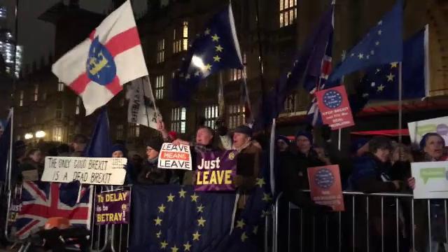 Theresa May a primit sprijinul Parlamentului pentru acordul de BREXIT, dar cu o condiție