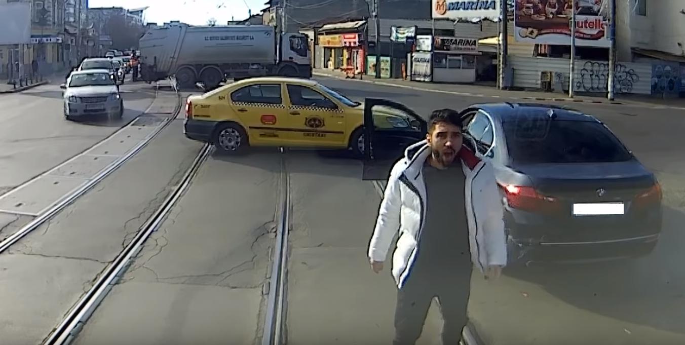 Dispută în trafic, între un BMW și un tramvai. Ce spune poliția despre incident