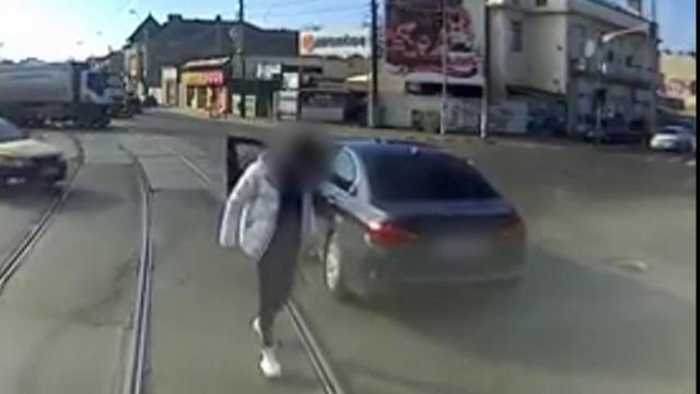 Pedeapsa primită de șoferul BMW-ului tamponat de tramvai în Capitală. Ce riscă vatmanul
