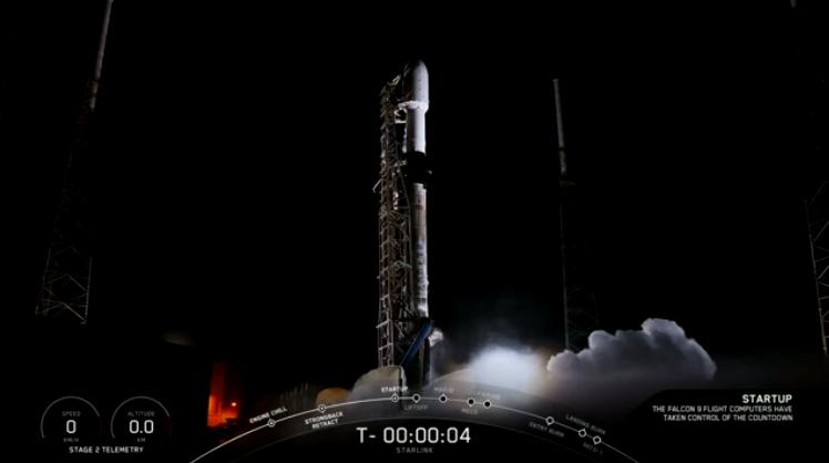 Lansarea noilor sateliți SpaceX, amânată cu 15 minute înainte de decolare. Care e motivul