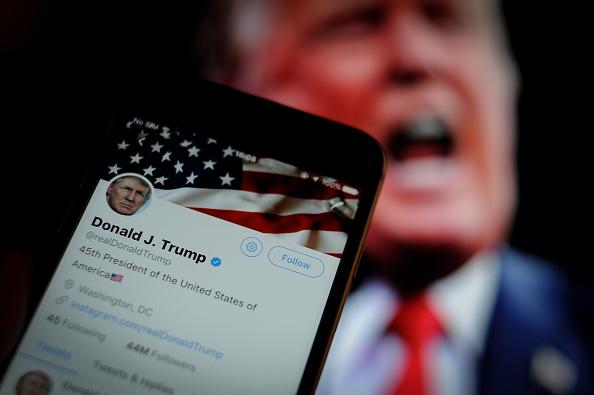 Statul Florida va amenda rețelele care suspendă conturile politicienilor, precum Twitter
