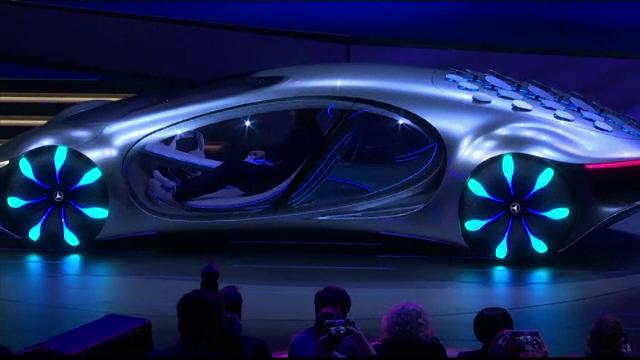 Târgul de tehnologie CES 2020. Mercedes a prezentat o mașină cu solzi, inspirată din Avatar