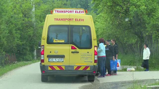 Guvernul va deconta unele cheltuieli de transport ale elevilor. Ordonanța de urgență, dezbătută miercuri