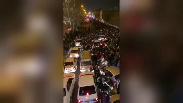 """Proteste uriaşe în Teheran. Trump: """"Lumea întreagă este cu ochii pe voi"""""""