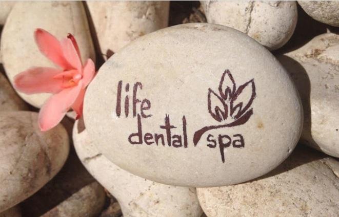 (P) Clinica Life Dental Spa acorda vouchere pentru pacientii noi