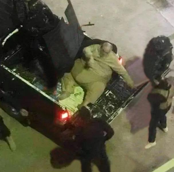 Unul dintre cei mai cruzi lideri ISIS, arestat. Poliția a avut nevoie de un camion pentru a-l transporta