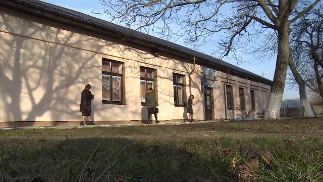 Cum a fost umilit un elev de 8 ani din Dâmbovița de colegi. Drama l-a urmat și la noua școală